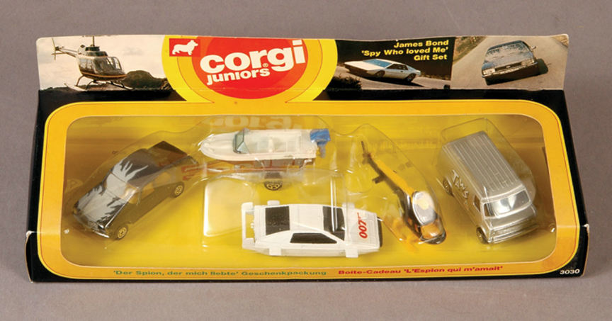 http://www.corgi.free.fr/Images/Vehicle/CORGI_JUNIORS_3030_SPY_WHO_LOVED_ME_GIFT_SET/001_big.jpg